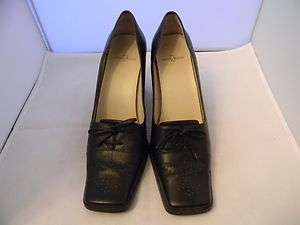 Anne Klein Classic Womens Espresso Brown Leather Pump Size 7M With 3