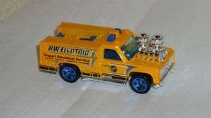 2010 HOT WHEELS CITY WORKS ELECTRIC UTILITY TRUCK