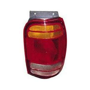 98 01 FORD EXPLORER TAIL LIGHT RH (PASSENGER SIDE) SUV (1998 98 1999
